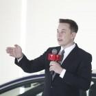Elektroauto: Tesla-Mitarbeiter kritisiert Arbeitsbedingungen