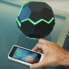 Drahtloses Laden: Die Motherbox lädt das Smartphone