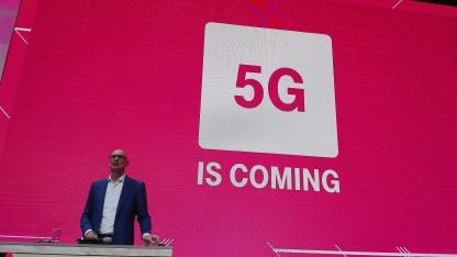 Höttges beschwört die schöne neue 5G-Welt.