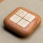 Mehr Möbel als Gadget: Eine Holzfernbedienung für das Smart Home