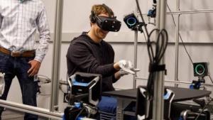 Mark Zuckerberg im Labor von Oculus VR