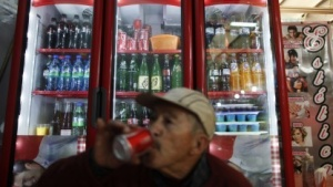 In Mexiko gibt es eine Steuer auf Softdrinks - und mächtige Gegner dieser Steuer.