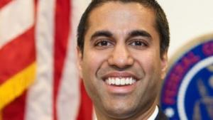 FCC-Chef Ajit Pai möchte mehr UKW-Smartphones im Handel sehen.