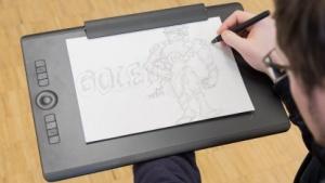 Das Wacom Intuos Pro Paper Edition ermöglicht das Digitalisieren von Papierzeichnungen.