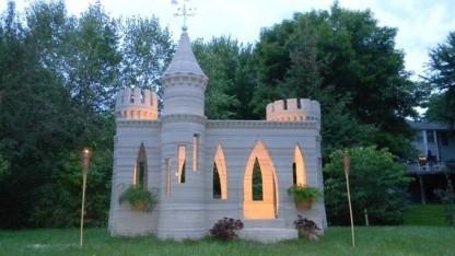 3D-gedruckter Gartenpavillon in Form eines Schlosses
