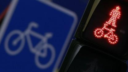 Fußgängerampel (Symbolbild): Gesichtserkennungssoftware analysiert Bild