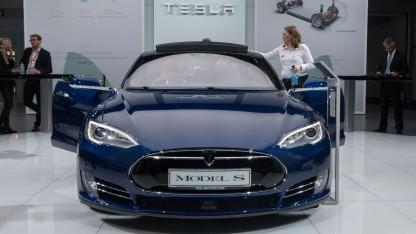 Tesla Model S (auf der IAA 2015): Hotz sollte neuen Autopiloten entwickeln.