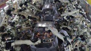 Roboter bei der Autoherstellung (Symbolbild): Mechanismen zur Unfallverhütung einbauen, ohne Funktionsfähigkeit einzuschränken