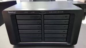 Die FS1018 hat zwar eine 10 in der Nummer, kann aber bis zu 36 SSDs ansteuern.