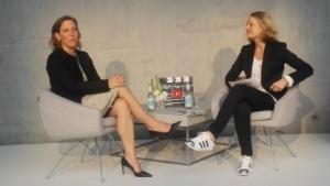 Youtube-Chefin Susan Wojcicki (l.) im Gespräch mit Miriam Meckel