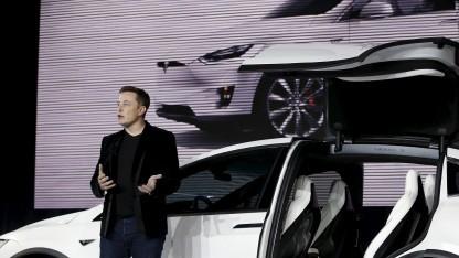 Tesla-Chef Elon Musk stellt im Oktober 2016 das Model X vor.