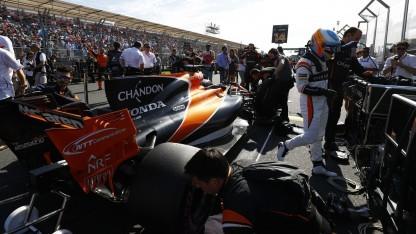 Fernando Alonso vor dem Großen Preis von Australien 2017: Form für die Herstellung des Heckflügels kommt aus dem 3D-Drucker.