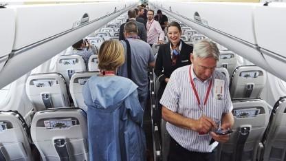 Telefonieren an Bord von Flugzeugen bleibt in den USA wohl verboten.
