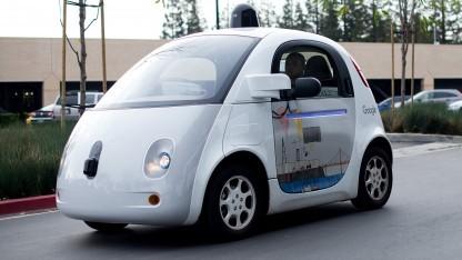 Googles autonome Testfahrzeuge fahren schon länger auf den Straßen des Silicon Valley.