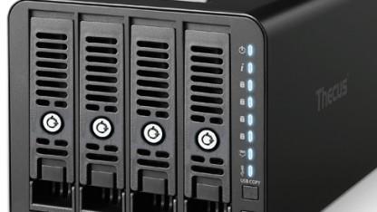 Das Thecus N4350 kann maximal vier Festplatten beinhalten.