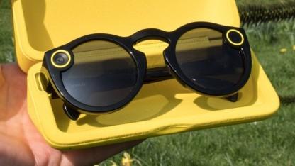 Die Snap Spectacles in ihrer Hülle