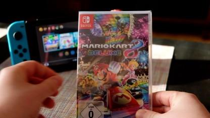 Wir packen Mario Kart 8 Deluxe für Nintendo Switch aus.