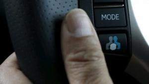 Autonom fahrendes Auto: Wer darf ans Steuer?