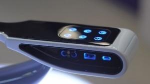 USB A und C in einem Armlehnen-Konzept