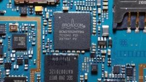 Viele Komponenten in Smartphones sind eigene Minicomputer - mit eigenen Sicherheitslücken.