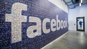 Facebook soll einen smarten Lautsprecher mit Bildschirm planen.