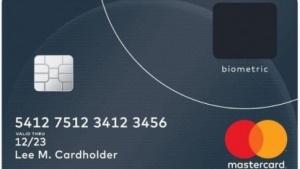 Die neue Mastercard hat einen Fingerabdruckscanner.