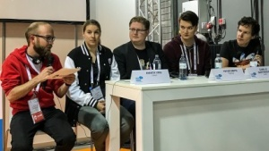 Podiumsdiskussion zum Thema Influencer-Marekting auf der Quo Vadis 17 in Berlin