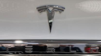 Tesla-Logo (Symbolbild): etwas größer als ein Ford F150