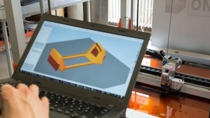 Aus dem 3D-Modell entsteht eine Kopfstütze.