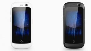 Das Jelly ist ein kleines Smartphone, das aktuell über Kickstarter Unterstützer sucht.