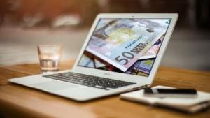 Nach drei bis fünf Jahren Berufserfahrung wollen die Jobsuchenden 57.200 Euro, bekommen aber nur 47.500 Euro.