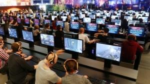 Besucher der Gamescom 2016 in Köln