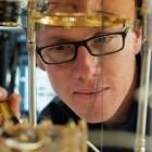 Quantencomputer: Ein Forscher in den unergründlichen Weiten des Hilbertraums