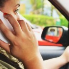 Bundesverkehrsministerium: Fahrverbot für Handynutzung am Steuer geplant