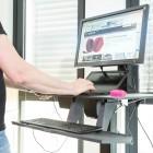 Stehpult ausprobiert: Aufstehen gegen Rückenschmerzen