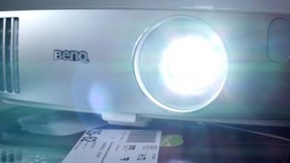 Großes Kino für kleines Geld: Wir haben zwei Projektoren gemietet.