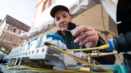 Netztechniker der Telekom bei der Arbeit