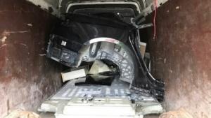Gestohlene Teile eines Tesla Model S