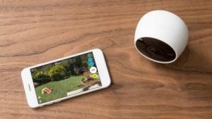 Die Circle 2 mit der App auf einem Smartphone