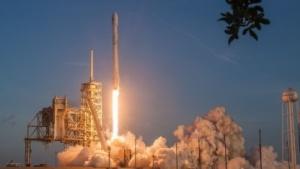 Start der Falcon 9 mit NRO-Satellit an Bord (am 1.5.2017): Begegnung über dem Südatlantik