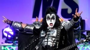Kiss-Bassist Gene Simmons in Bühnenpose: Wer hat's erfunden?