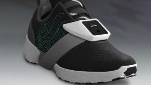 Der Tapper kann am Schuh, aber auch an einem anderen Körperteil befestigt werden.