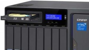 Qnaps neue NAS-Serie gibt es mit einem M-Disc-Brenner.