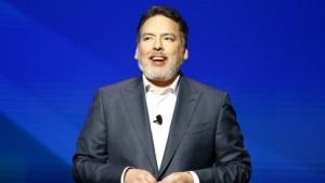 Shawn Layden bei der Präsentation von Sonys E3-Pressekonferenz 2016.