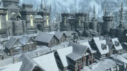 Die Mod Beyond Skyrim Bruma fügt dem Spiel unter anderem diese Stadt hinzu.