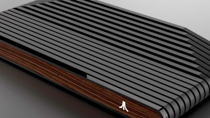 Diese Version der Ataribox hat eine Frontplatte in Holzoptik.
