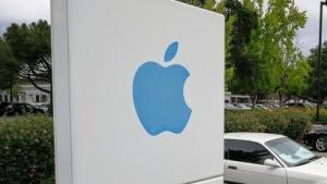 Apple liegt vor Alphabet und Microsoft.