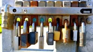 Die Schlüssel für echte Schlösser sind immer gleich, bei TLS ist das eigentlich anders.