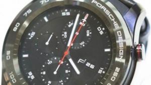 Die auf dem MWC 2017 vorgestellte Porsche-Version der Huawei Watch 2