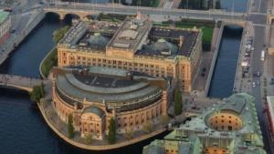 Die IT-Outsourcing-Entscheidung soll im schwedischen Parlament, dem Riksdagen, besprochen werden.